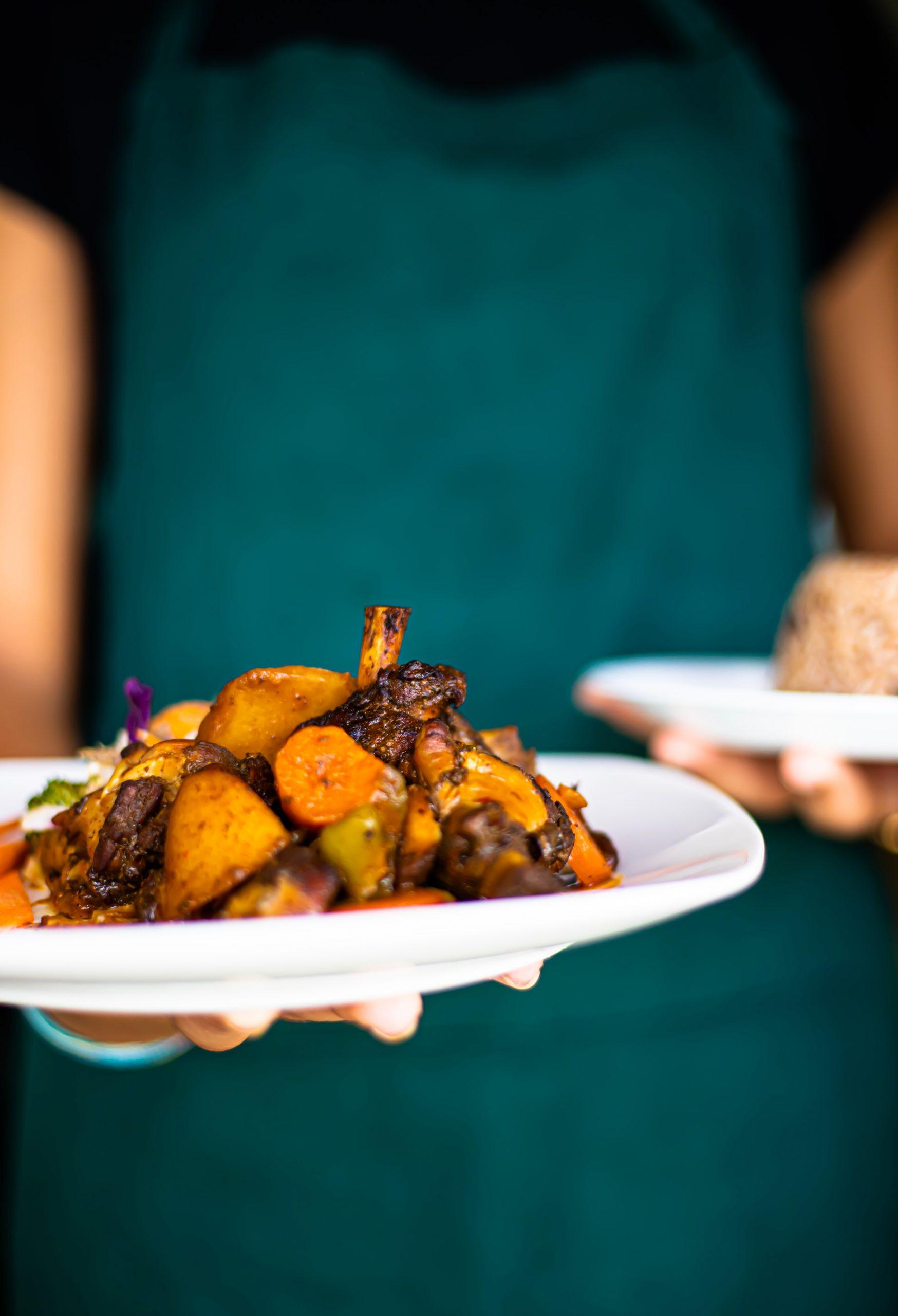 food in Jamaica, jamaican food, jamaican cuisine, jamaican dishes, jamaican drinks, jamaican appetizers, jamaican traditional food, Jerk chicken/pork/fish