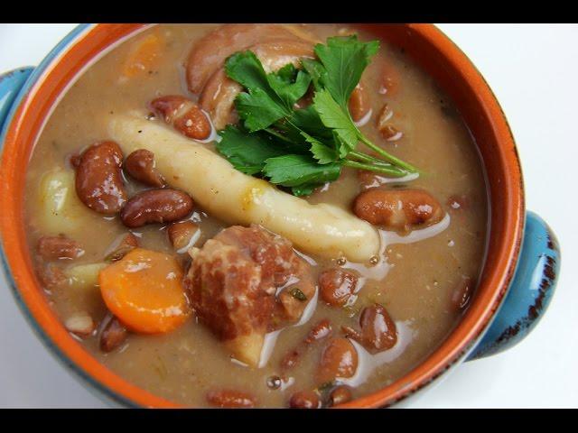 food in Jamaica, jamaican food, jamaican cuisine, jamaican dishes, jamaican drinks, jamaican appetizers, jamaican traditional food, Jamaican red peas soup