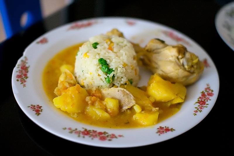 Sudado de Pollo, food in Colombia, Colombian food, traditional food in Colombia, Colombian dishes, Colombian cuisine