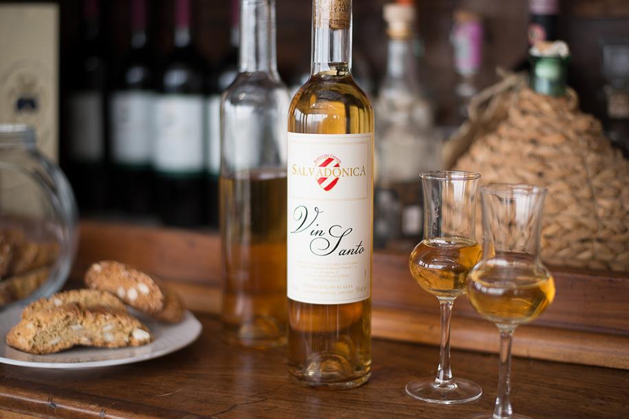 Greek drinks, drinks in Greece, Greek Beverages, beers in Greece, Vinsanto Wine