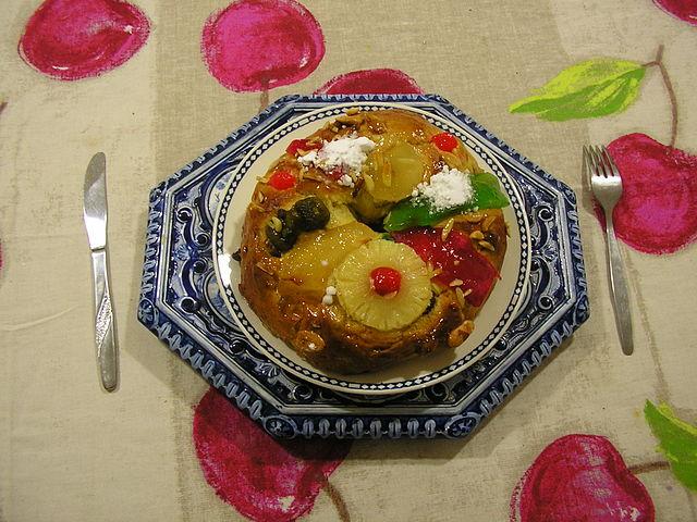 Bolo rei, Portuguese Food, Portuguese cuisine, traditional Portuguese food, food in Portugal, Portuguese dishes