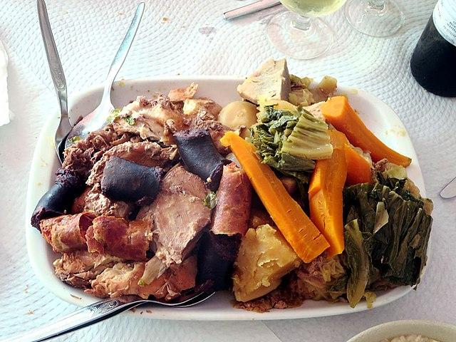 Cozido a portuguesa, Portuguese Food, Portuguese cuisine, traditional Portuguese food, food in Portugal, Portuguese dishes