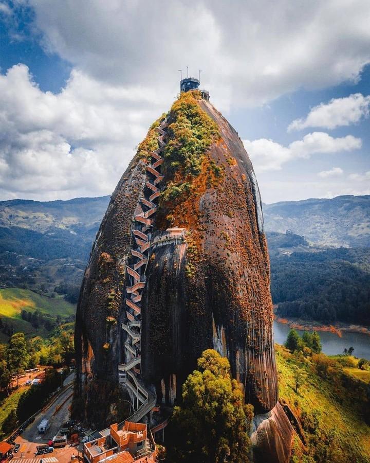 Colombia instagram spots, most instagrammable places in Colombia, Colombia photos, Colombia photography, El Peñón De Guatapé