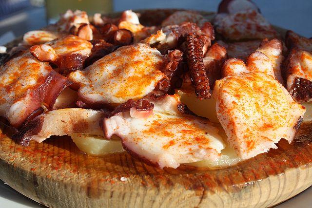 Pulpo a la gallega, Spanish Food, spanish cuisine, traditional spanish food, food in Spain, Spanish dishes
