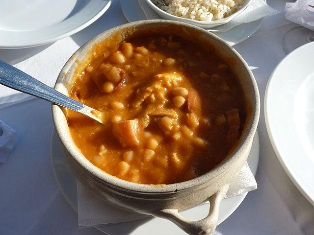 Portuguese Food, Portuguese cuisine, traditional Portuguese food, food in Portugal, Portuguese dishes, Tripas à Moda do Porto
