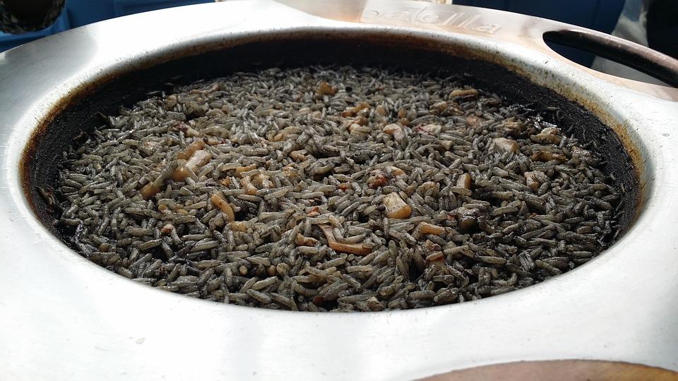 Spanish Black Rice, Spanish Food, spanish cuisine, traditional spanish food, food in Spain, Spanish dishes