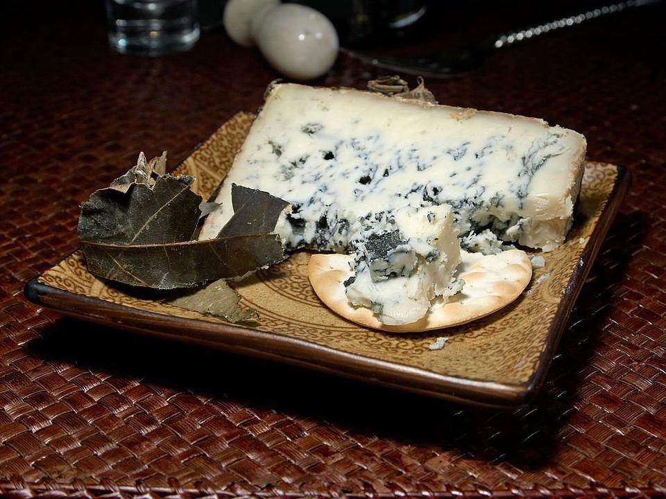 Cabrales Cheese,Spanish Food, spanish cuisine, traditional spanish food, food in Spain, Spanish dishes