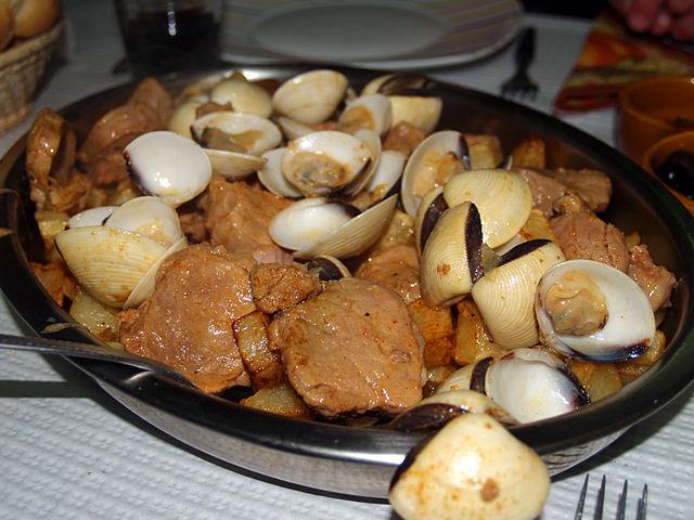 Portuguese Food, Portuguese cuisine, traditional Portuguese food, food in Portugal, Portuguese dishes, Carne de Porco a Alentejana