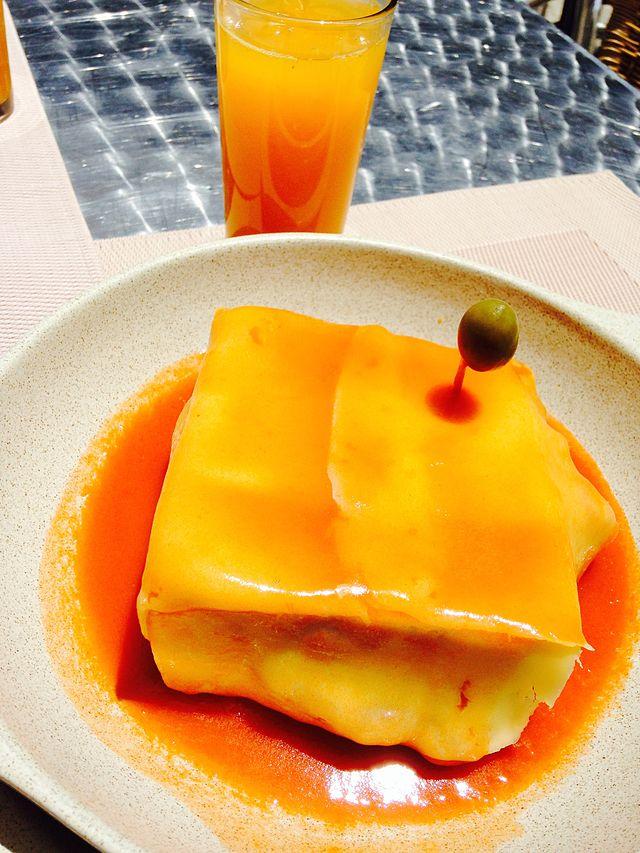 Francesinha, Portuguese Food, Portuguese cuisine, traditional Portuguese food, food in Portugal, Portuguese dishes
