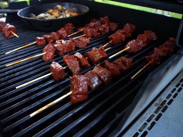 Peruvian Food, Peruvian cuisine, Traditional Peruvian Food, food in Peru, Peruvian dishes, Anticuchos de Corazon