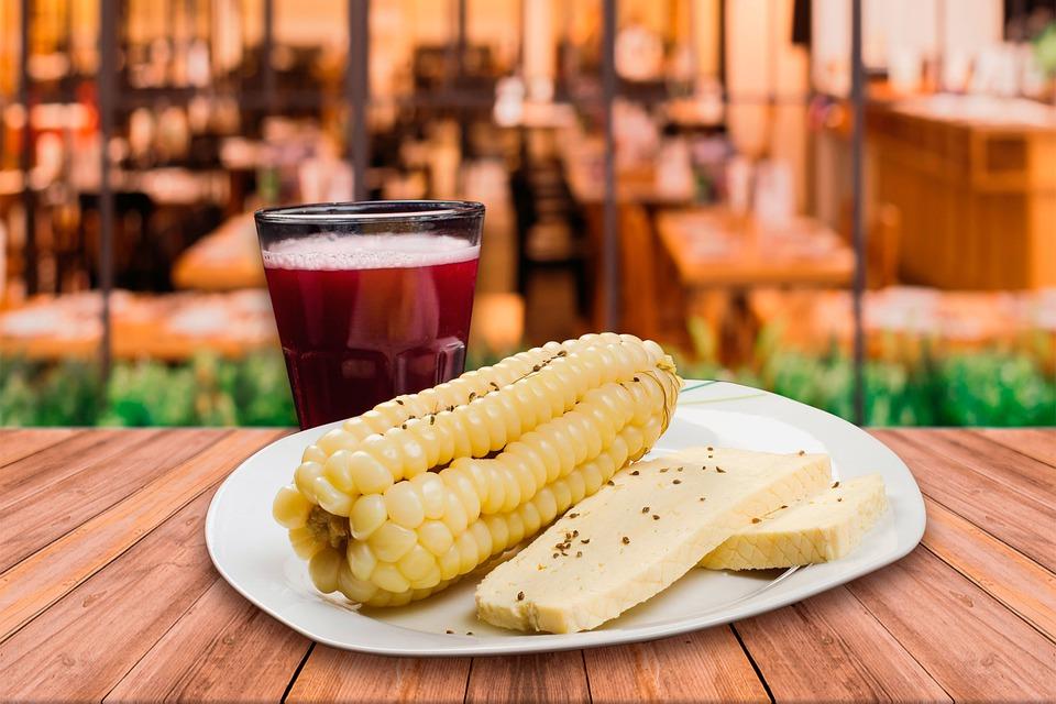 Peruvian Food, Peruvian cuisine, Traditional Peruvian Food, food in Peru, Peruvian dishes, Choclo con queso