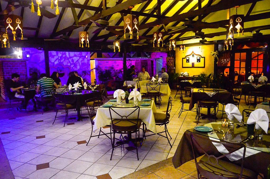restaurants in ocho rios 2400, best restaurants in ocho rios 170, ocho rios food, where to eat in ocho rios, Curry House Jamaica