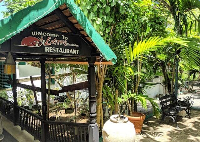 restaurants in ocho rios 2400, best restaurants in ocho rios 170, ocho rios food, where to eat in ocho rios, Evitas Italian Restaurant