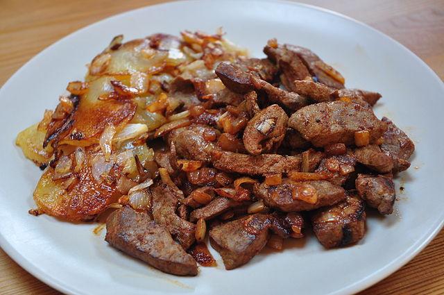 Peruvian Food, Peruvian cuisine, Traditional Peruvian Food, food in Peru, Peruvian dishes, Higado encebollado