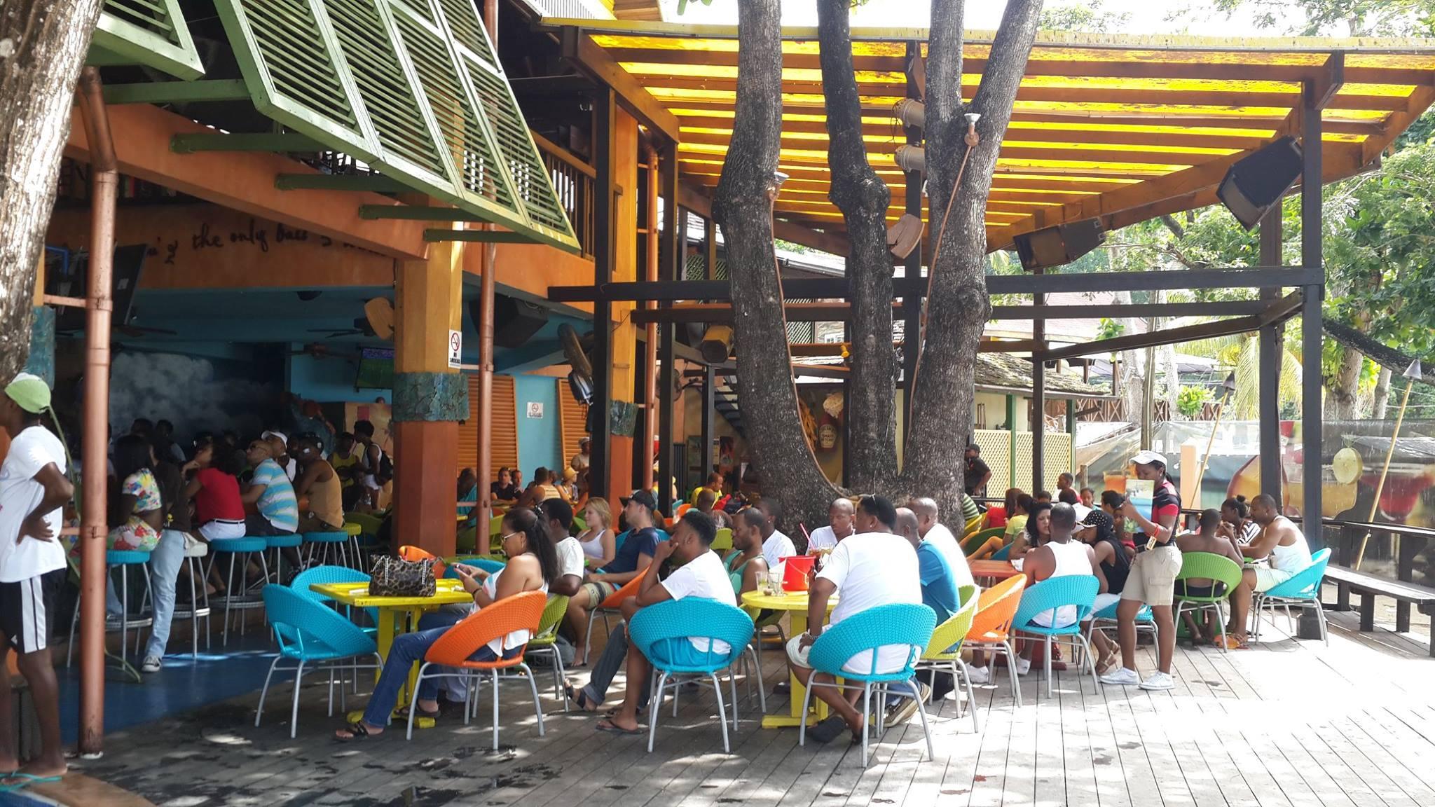 restaurants in ocho rios 2400, best restaurants in ocho rios 170, ocho rios food, where to eat in ocho rios, Jimmy Buffett's Margaritaville