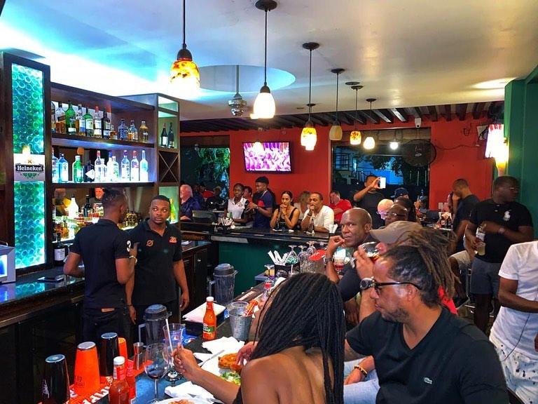 restaurants in ocho rios 2400, best restaurants in ocho rios 170, ocho rios food, where to eat in ocho rios, John Crows Tavern