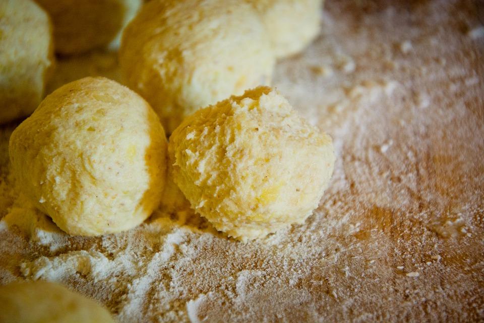 German Food, German cuisine, Traditional German Food, food in Germany, German dishes, Potato dumpling, Kartoffelknodel