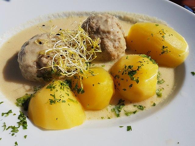 German Food, German cuisine, Traditional German Food, food in Germany, German dishes, Konigsberger