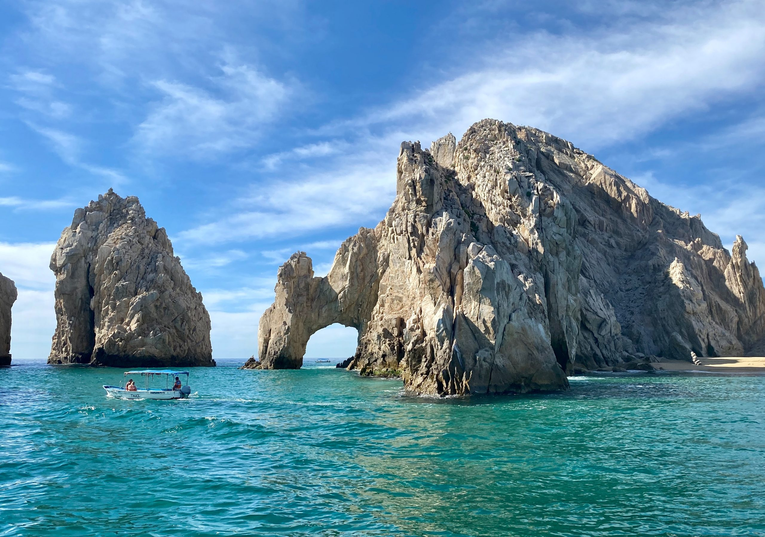 How To Get From Los Cabos Airport To City Center - All Possible Ways, cheapest way from Los Cabos airport to city center, Los Cabos airport to city center