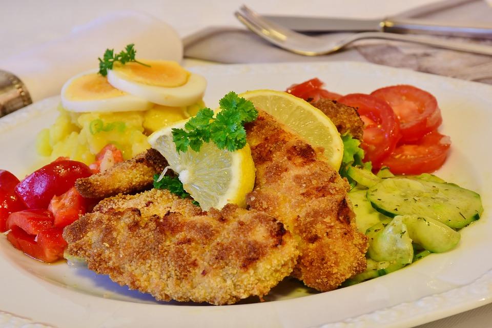 German Food, German cuisine, Traditional German Food, food in Germany, German dishes, schnitzel