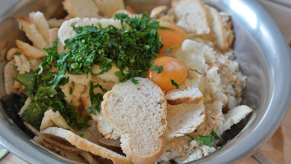 German Food, German cuisine, Traditional German Food, food in Germany, German dishes, knodlbrot