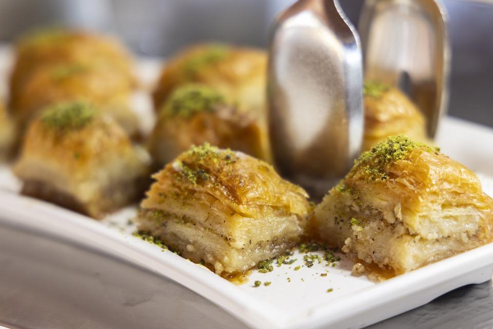 Tunisian snacks, Traditional Tunisian snacks and desserts, Tunisia snacks, Tunisia desserts, traditional snacks and desserts in Tunisia, Tunisian desserts, baklava